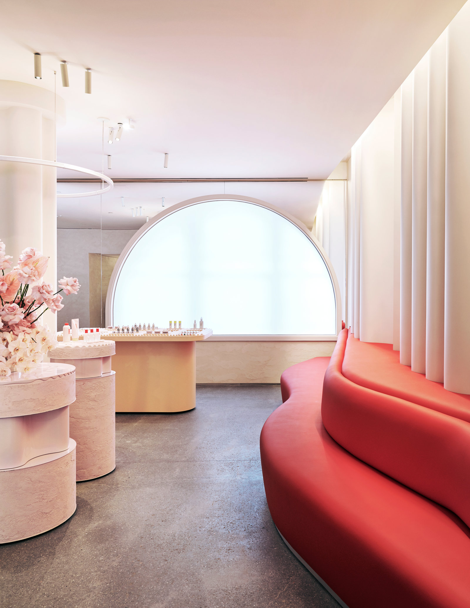 Glossier flagship red couch cg 1600 xxx q85