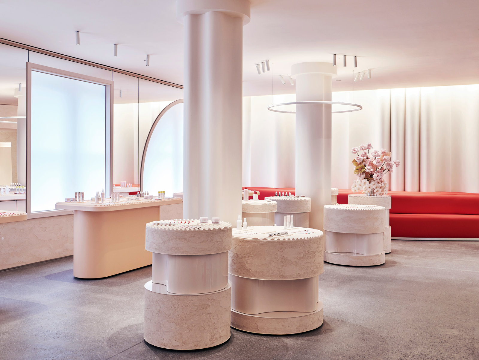 Glossier flagship showroom 1600 xxx q85